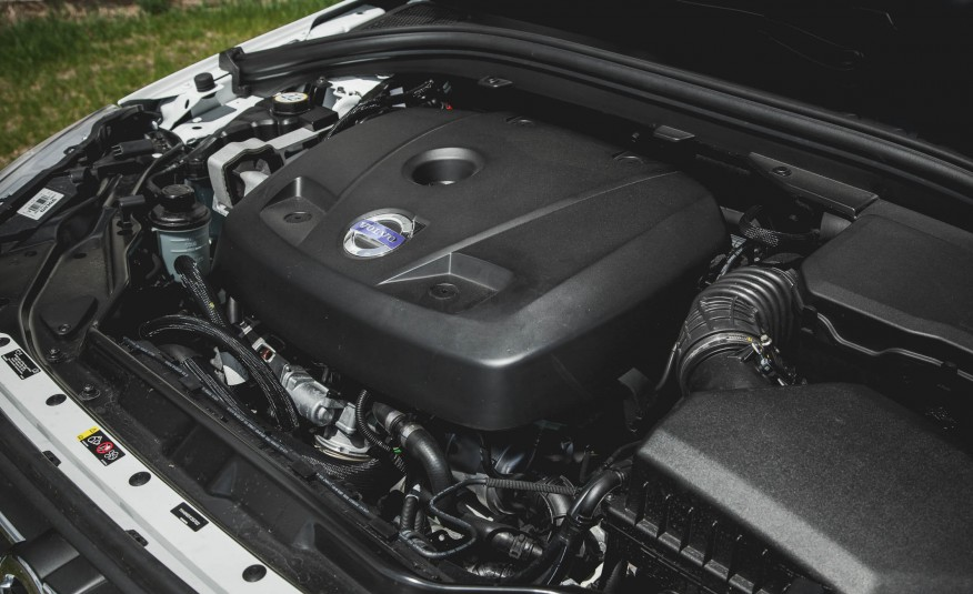 2018-volvo-xc60-engine-1