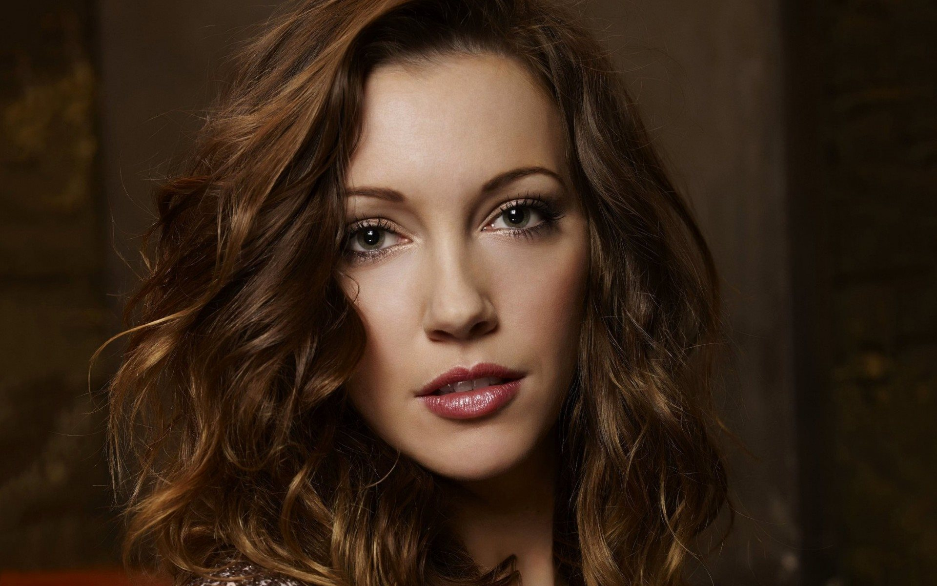 Katie Cassidy Background Wallpapers | WallpapersIn4k.net